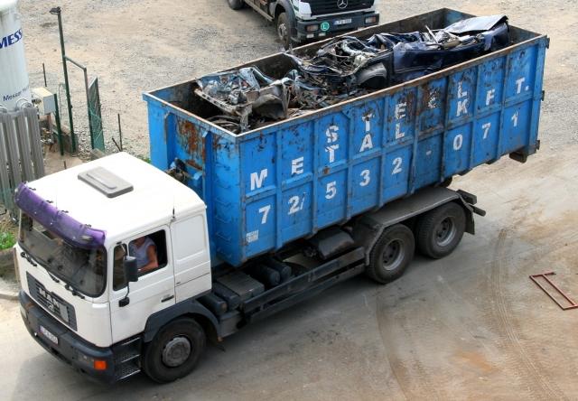 Hulladék szállítás saját gépjárműveinkkel
